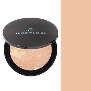 New/sealed Vincent Longo velour pressed powder